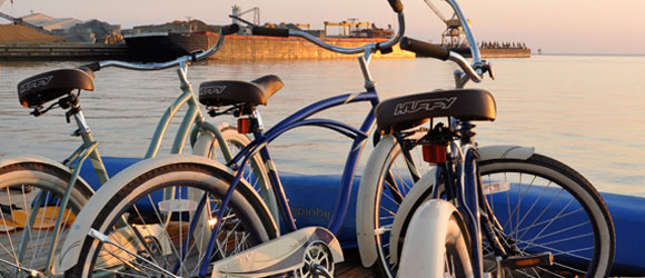 http://hotelcapecharles.com/wp/wp-content/uploads/2013/06/bikes_580x240.png
