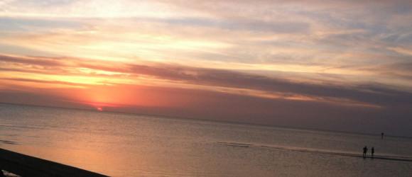 http://hotelcapecharles.com/wp/wp-content/uploads/2013/06/sunset-580x250.jpg
